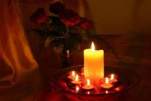 a-candles_and_roses-1531917